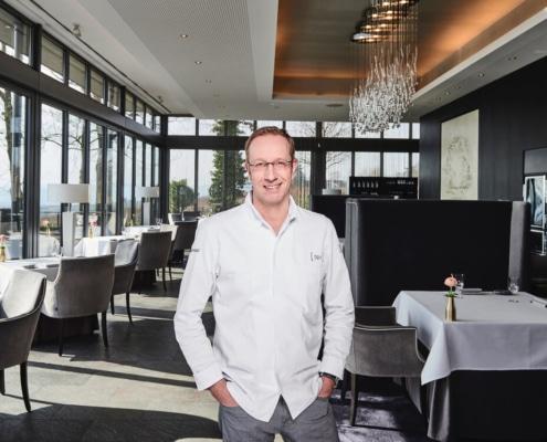 Sternekoch Nils Henkel im Restaurant Schwarzenstein